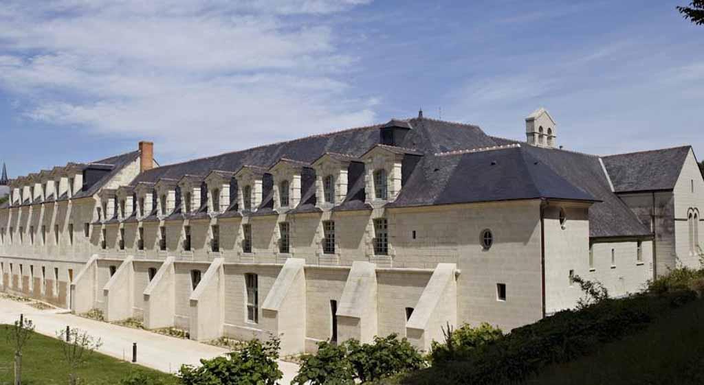 H tel fontevraud l 39 abbaye royale transform e en h tel - Hotel abbaye de fontevraud ...