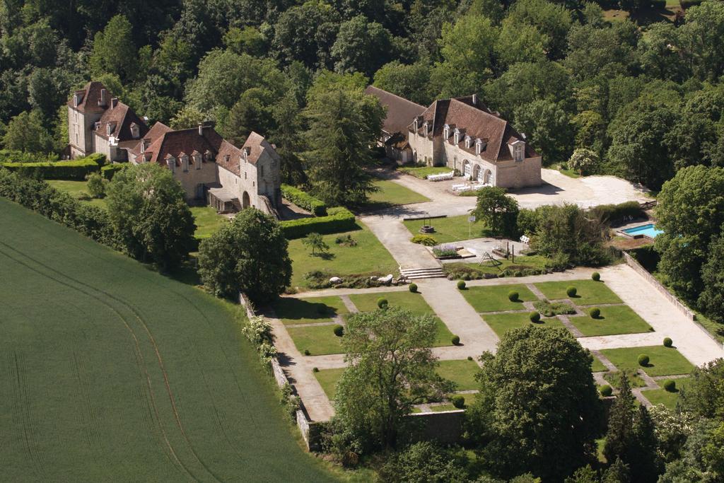 Vue aérienne du Château de Montramé